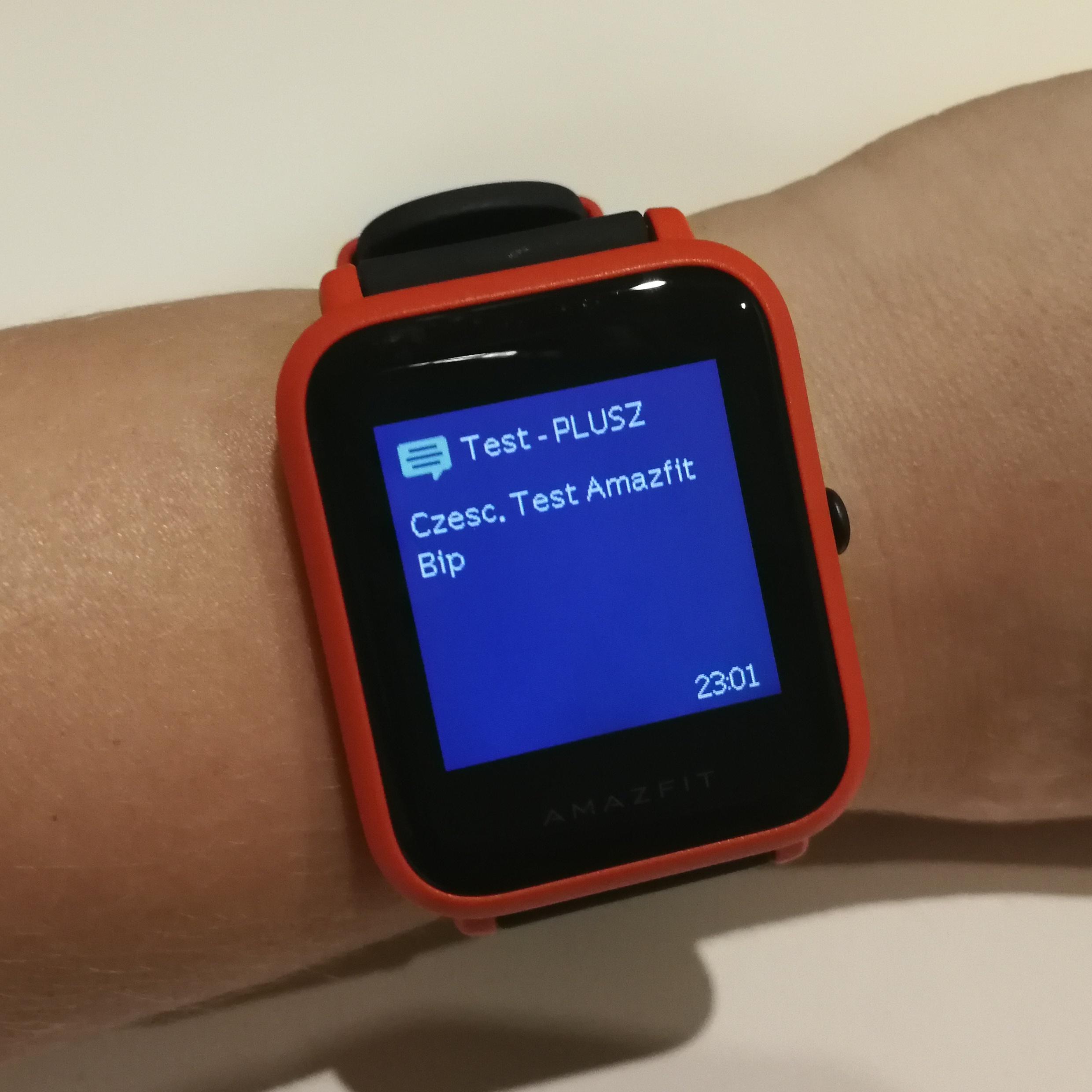Tak prezentują się przykładowe powiadomienia – SMS e mail połączenie głosowe Messenger