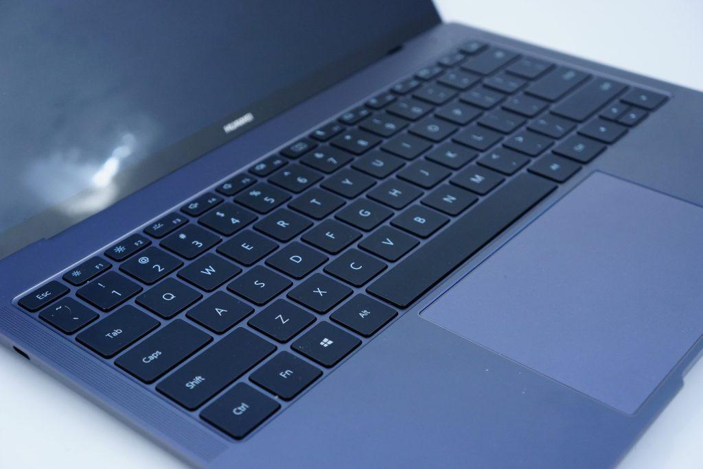 Huawei MateBook X Pro - klawiatura igładzik
