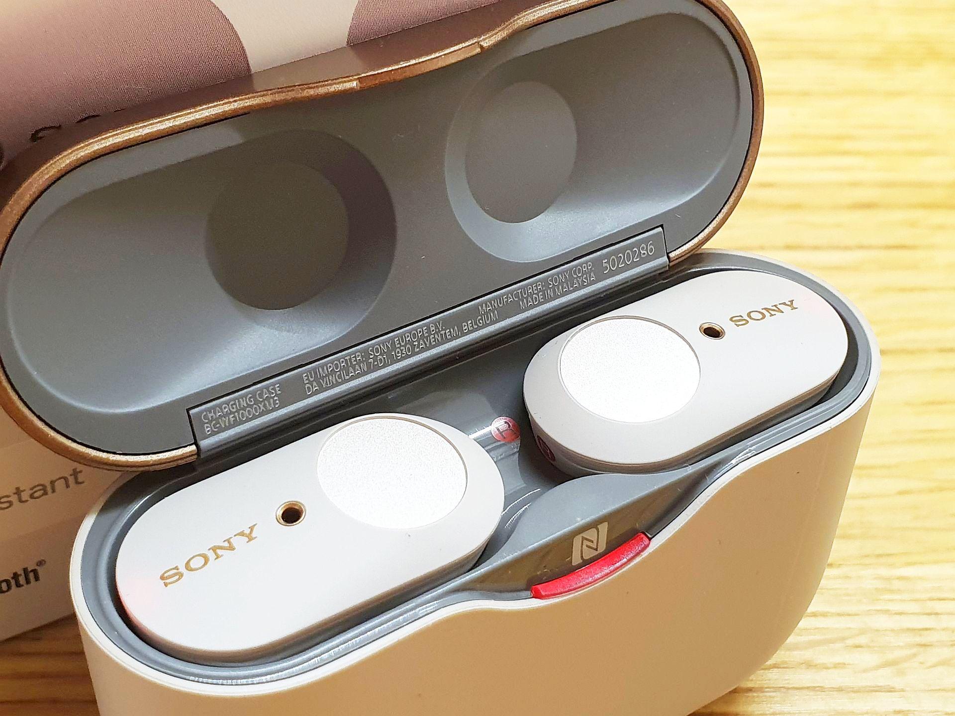Sony WF-1000XM3 - stacja dokująca